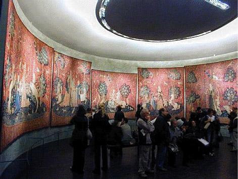 Salle ronde du Musée National du Moyen-age